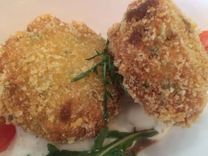 The_Royals_SG_Crab_Cakes