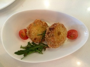 The_Royals_SG_Crabcakes