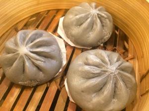 Kowloon_Express_Charcoal_Salted_Egg_Custard_Bun