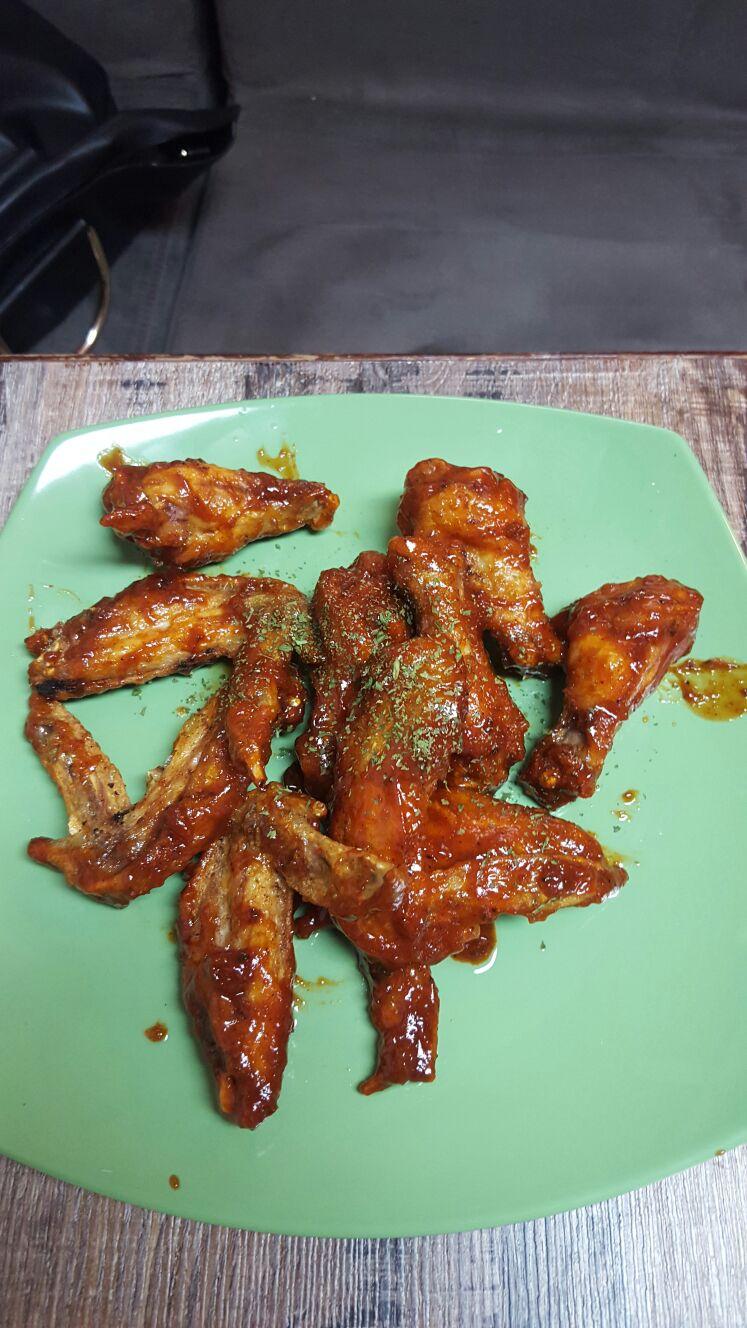 Peachy's Buffalo Wings 1
