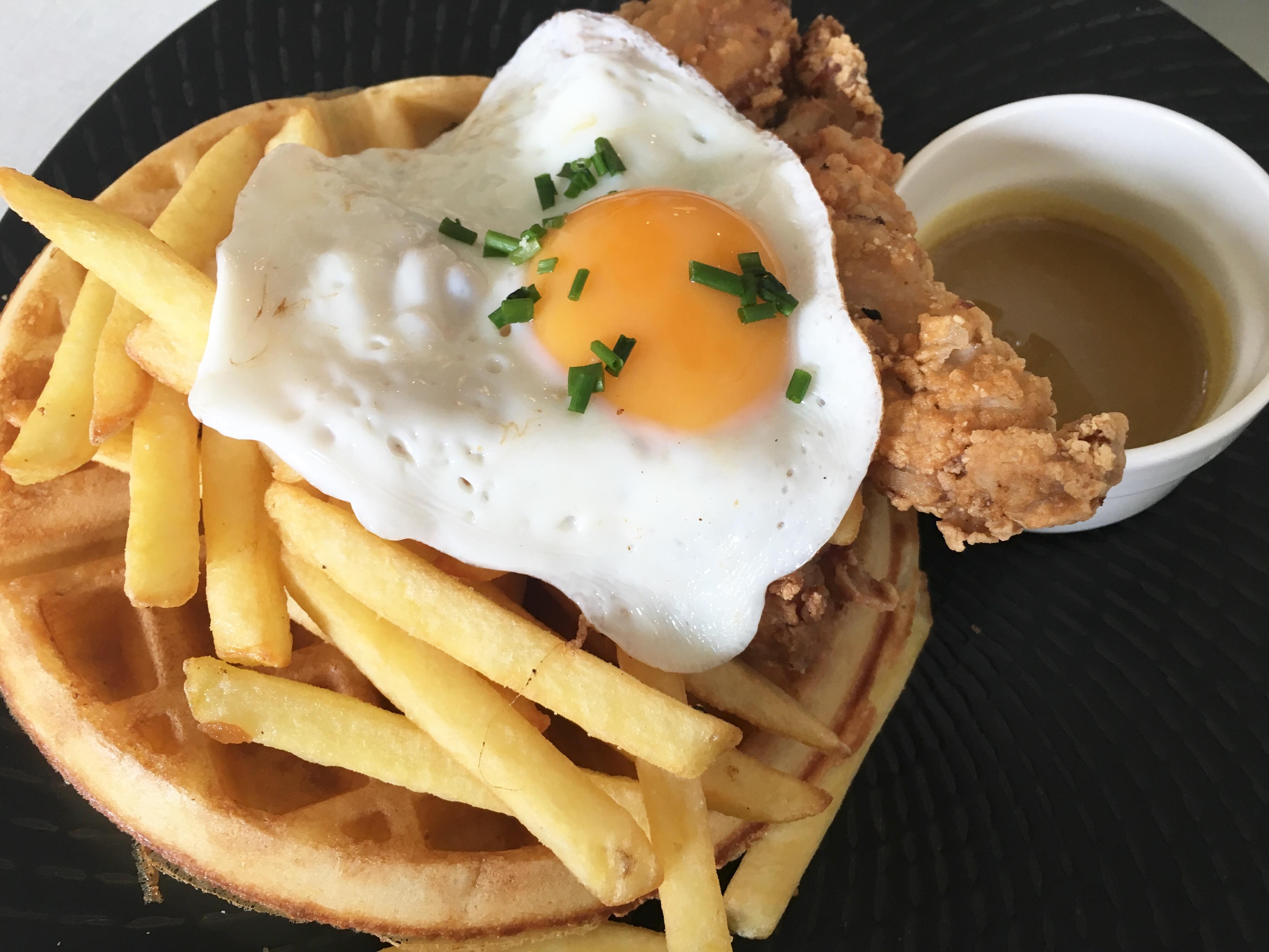 Hyde & Co - Fried Chicken Waffle