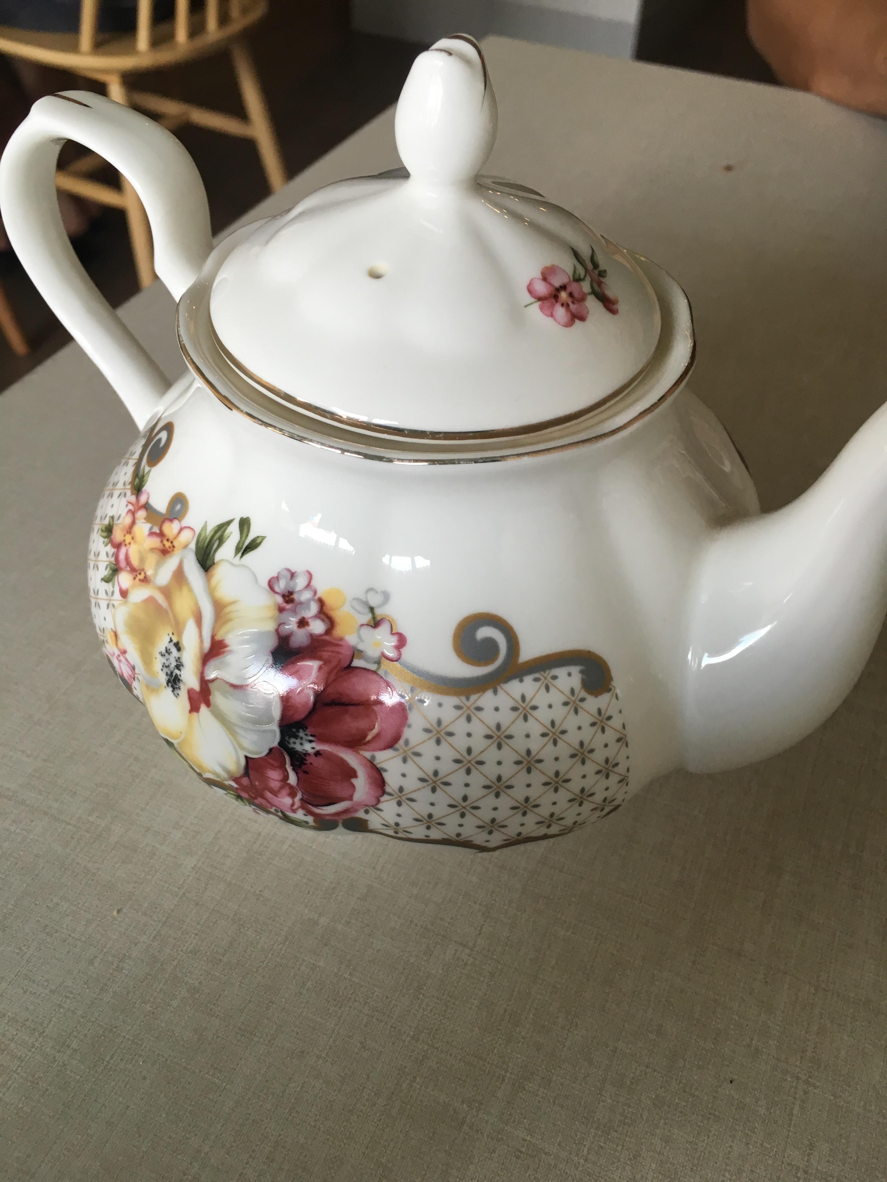 Hyde & Co - Teapot