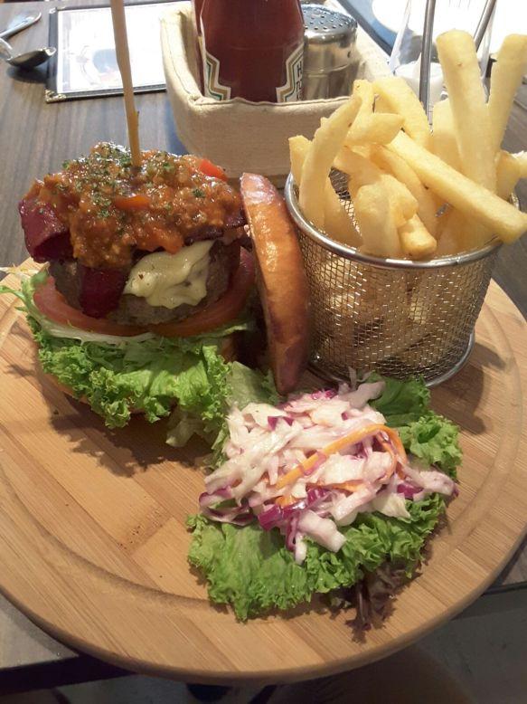 Flava Bistro - Bacon Cheeseburger