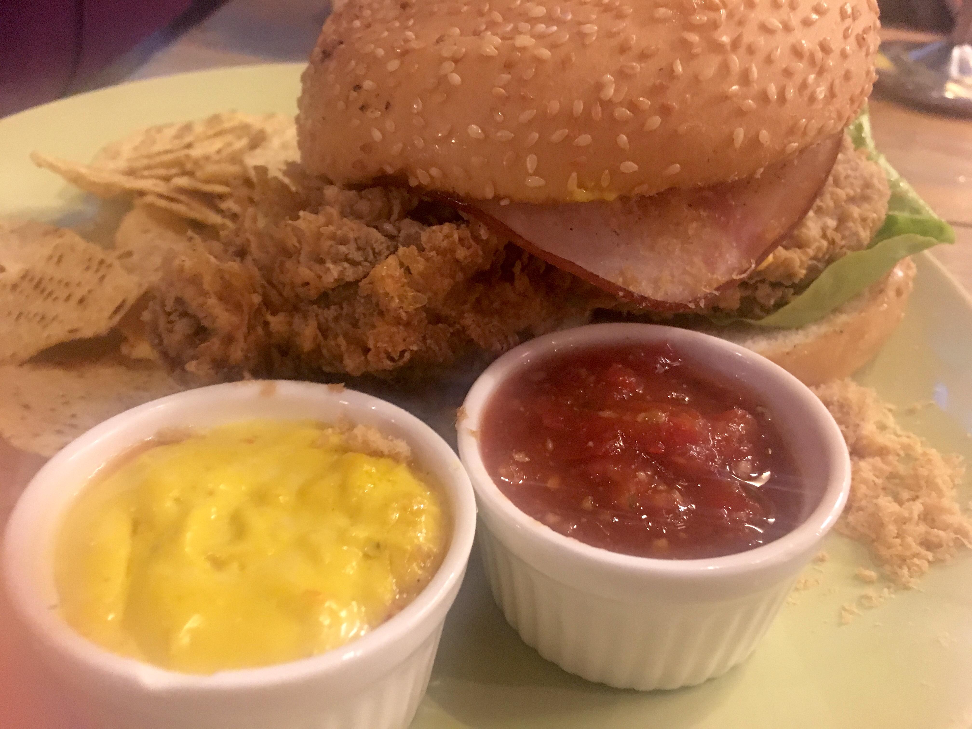 Kaw Kaw SG - The Permaisuri Burger
