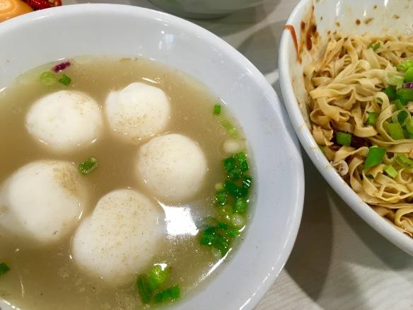 Encik Tan - Fishball Noodles Dry