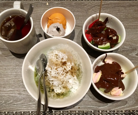 Holiday_Inn_Atrium_Dessert