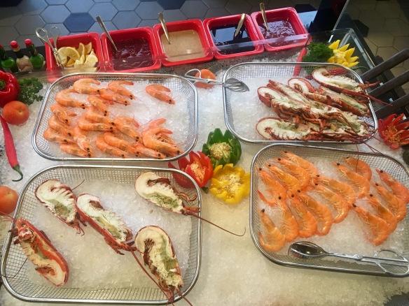 Holiday_Inn_Atrium_Lobster_Prawns