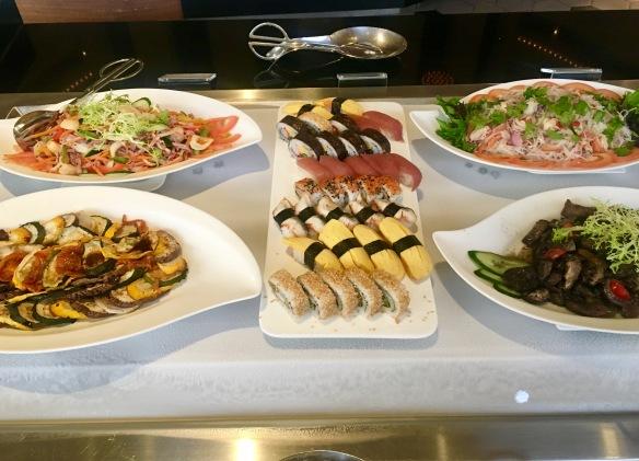 Holiday_Inn_Atrium_Salads_Sushi