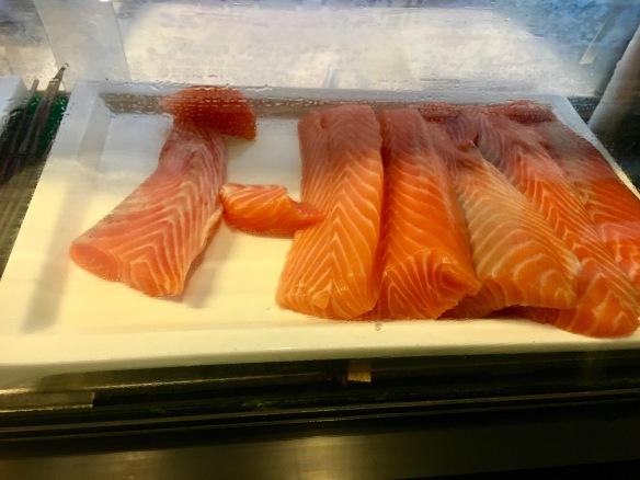 Holiday_Inn_Atrium_Salmon_Sashimi