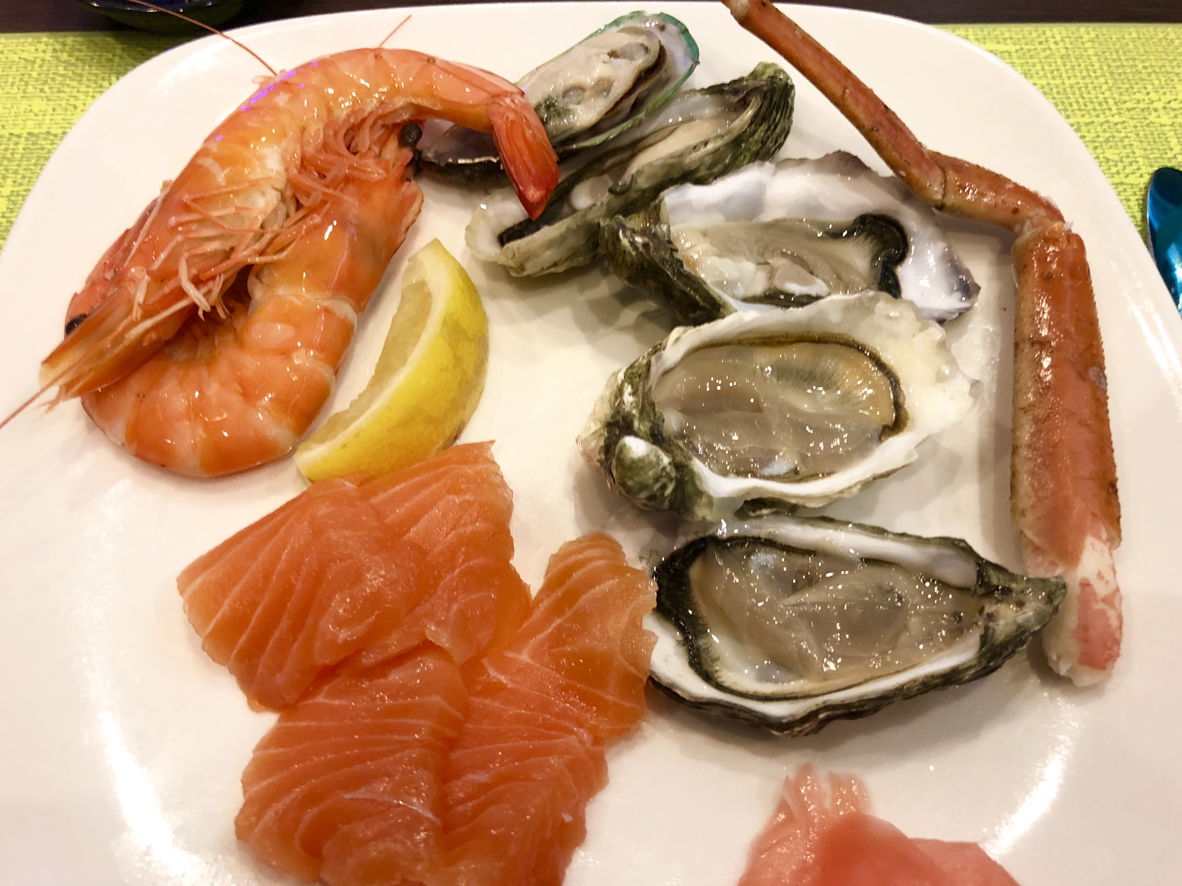 Saltwater_Cafe_Buffet_Seafood_Sashimi