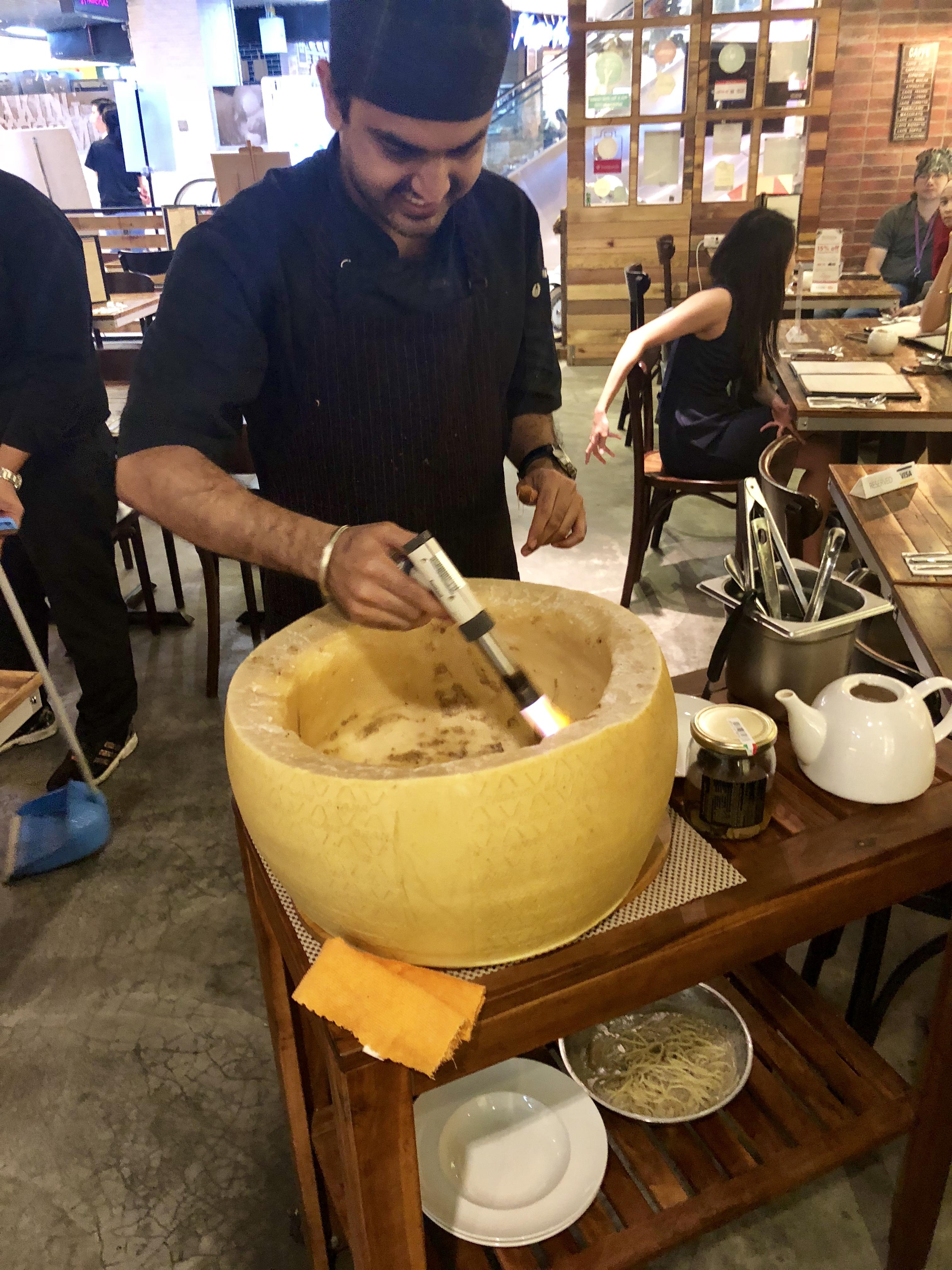 Kucina_Cheese_Wheel_Grana_Padano