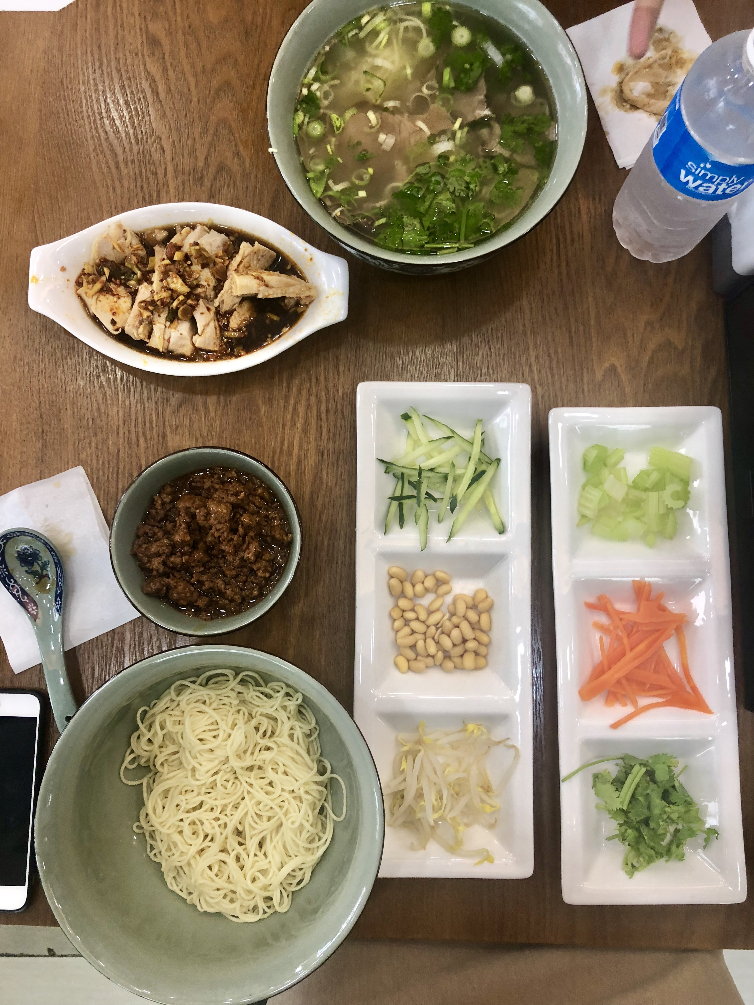 Yi_Zun_Beef_Noodles_Flatlay